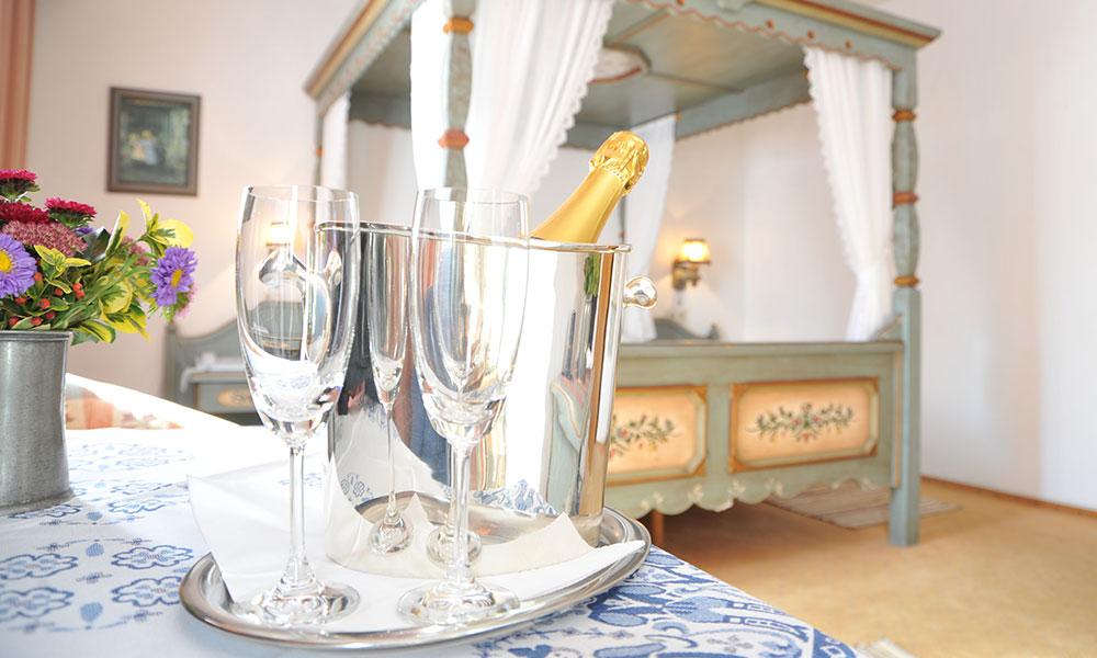 Doppelzimmer mit Himmelbett im Hotel Tilman Riemenschneider in Rothenburg ob der Tauber